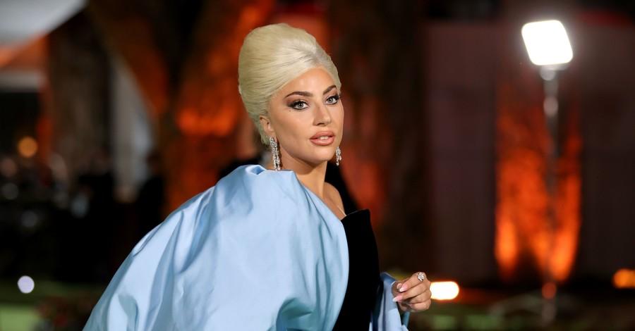 Ковбойка Шер и ретро-дива Леди Гага: кинозвезды разных поколений на открытии музея в Лос-Анджелесе